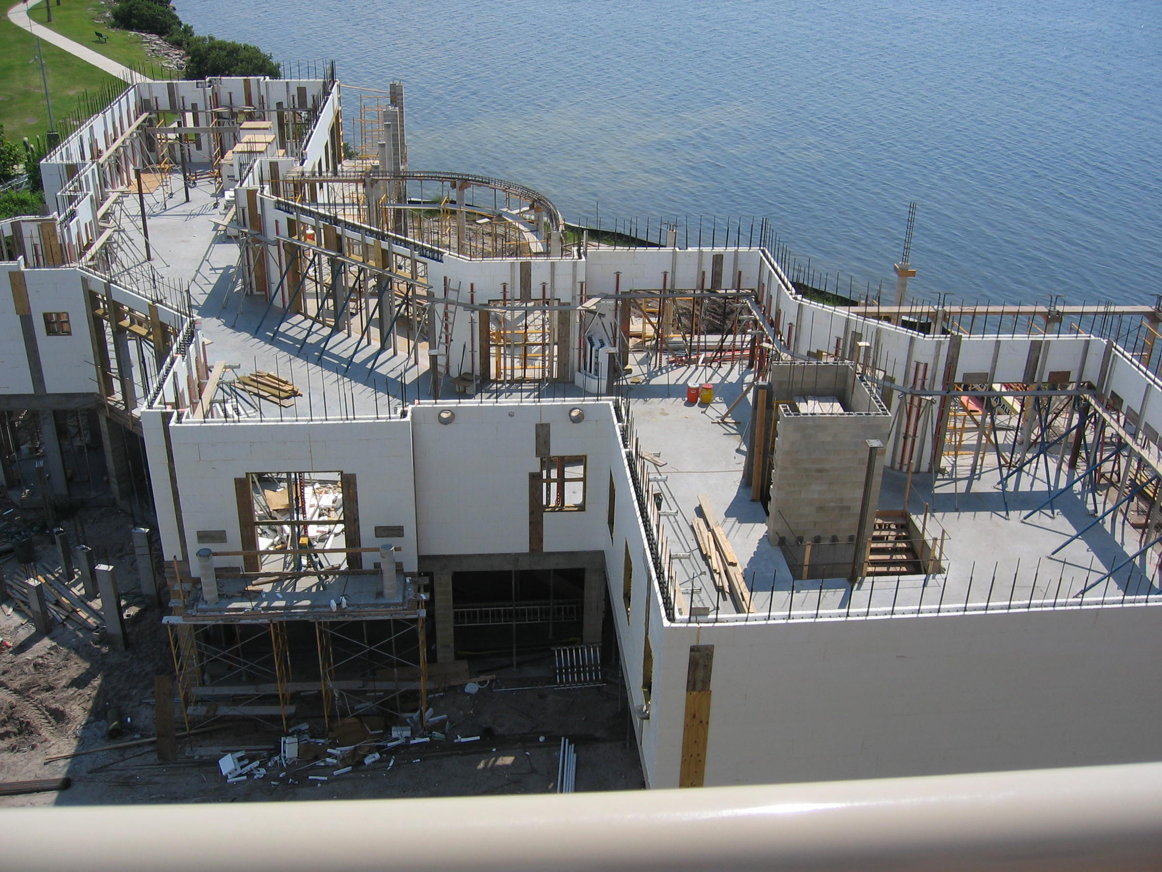 Titan walls tampa residence for Icf construction florida